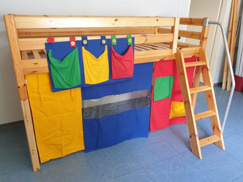 Flexa Kinderbett (auch halbhoch und als Jugendbett nutzbar) 90x200 mit Herausfallschutz